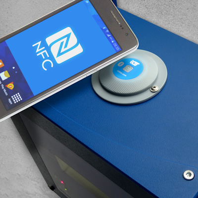 IoTize - Instant Wireless with NFC and Bluetooth